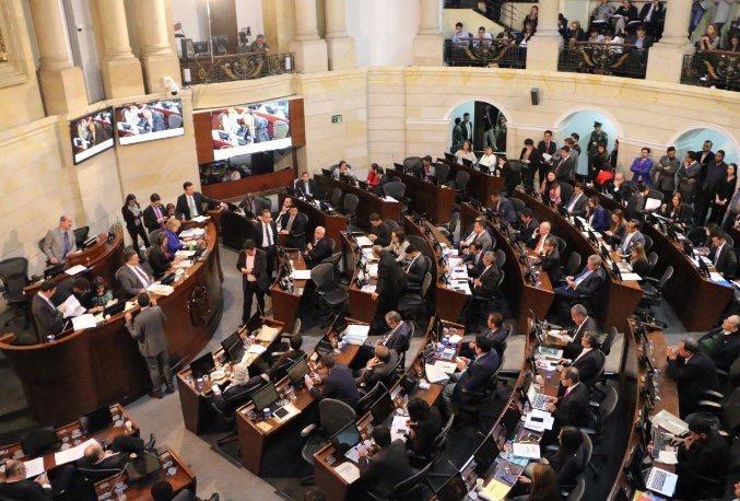 La votación que deja a las Farc participar en política