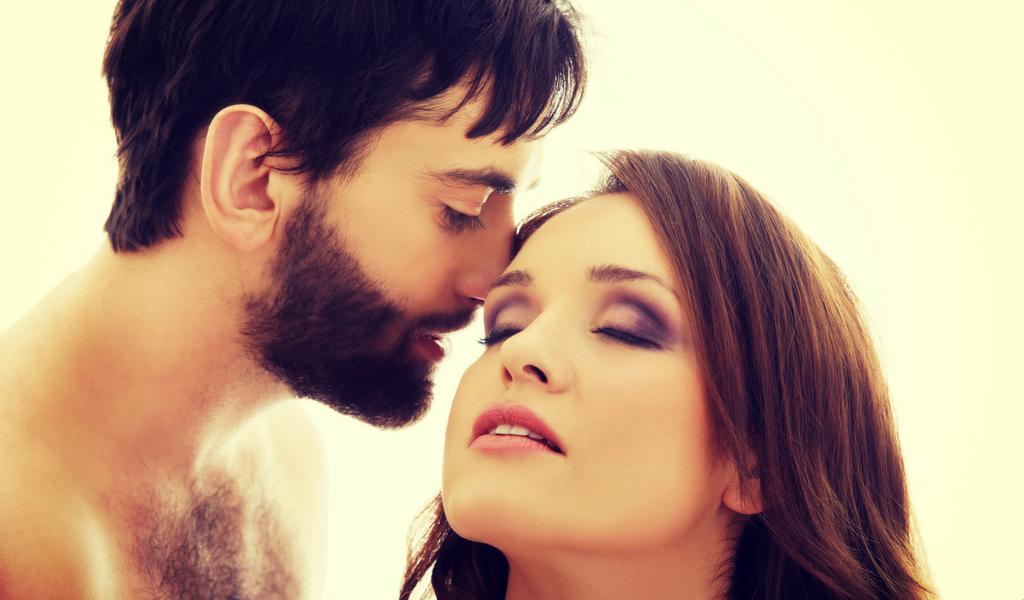 Las mejores frases para encender a su pareja
