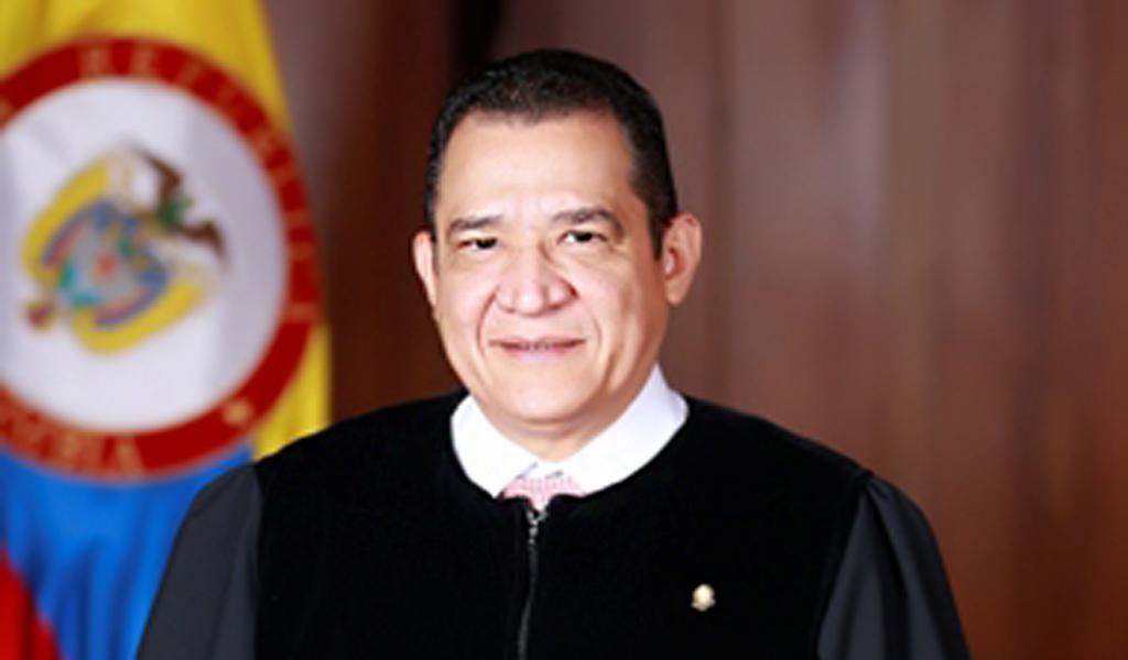 Corte aprueba norma para frenar regreso de Gustavo Malo