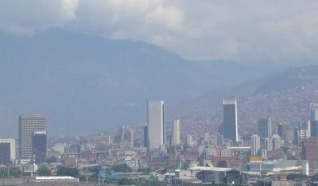 Contaminada e intransitable Medellín
