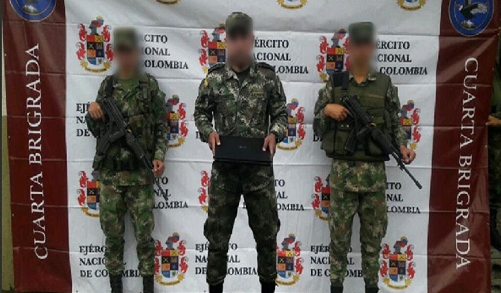 Falso sargento tramitaba libretas militares
