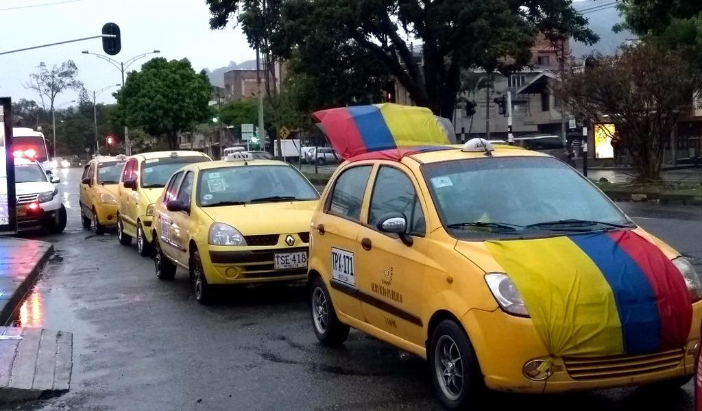 Solo una agremiación de taxistas protesta en Medellín