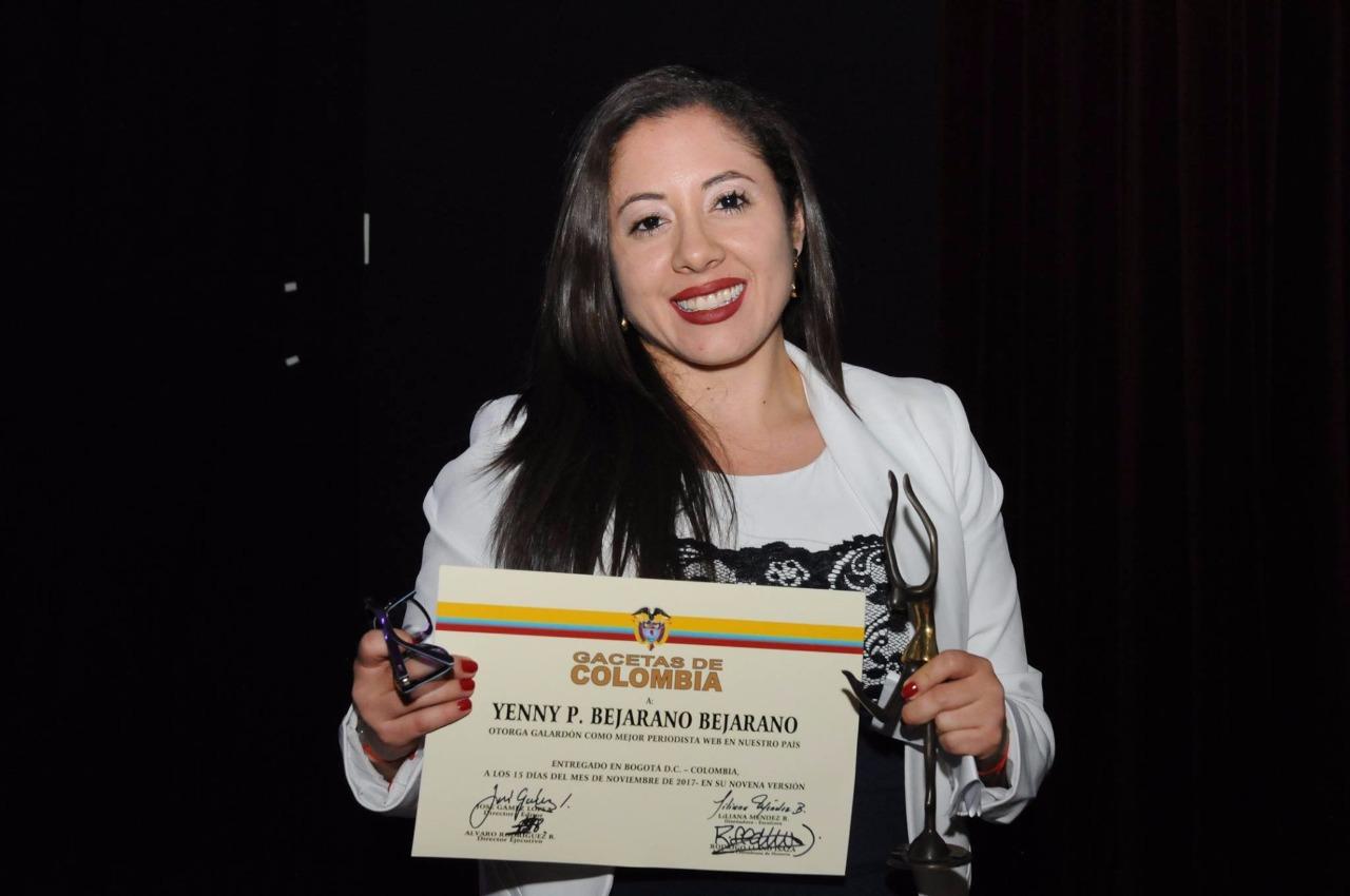 Yenny Bejarano galardonada como Mejor Periodista Web