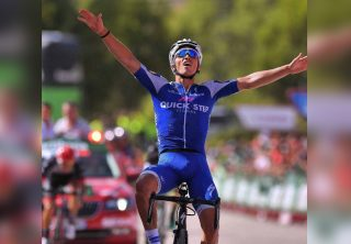 Alaphilippe abandona la Vuelta a San Juan