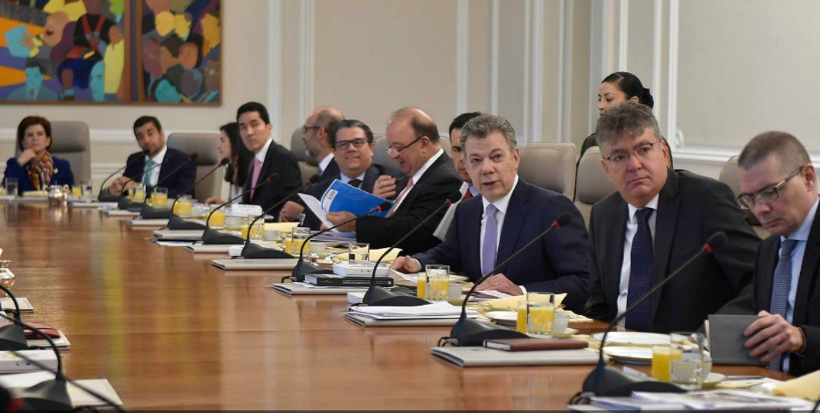 Presidente Santos Ministro de Hacienda