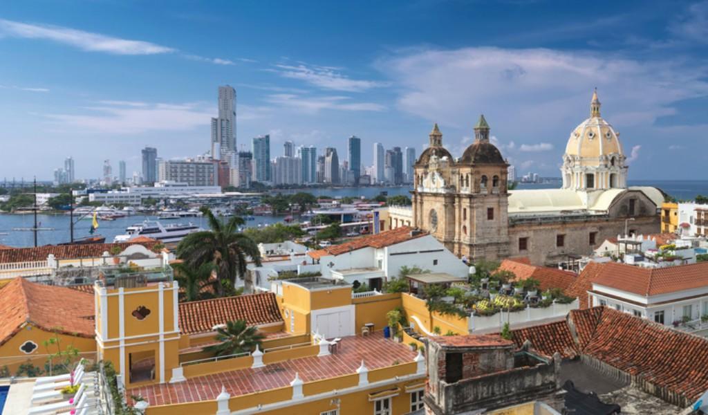 Familia Quiroz, a responder por edificios en riesgo en Cartagena