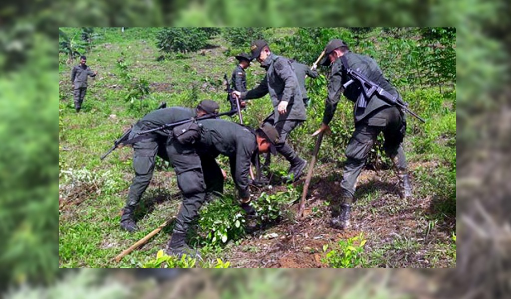 Campesinos retienen a 14 policías en Tumaco