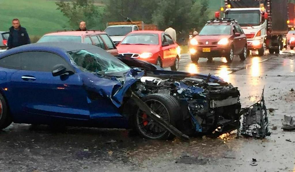 Los carros de lujo destruidos en accidente