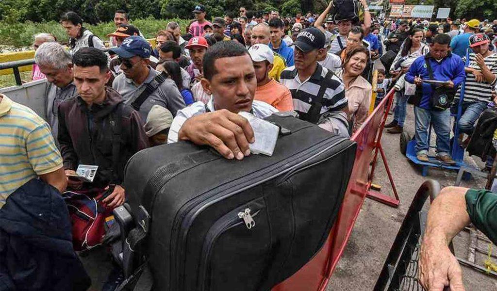Disminuye 30% migración de venezolanos a Colombia