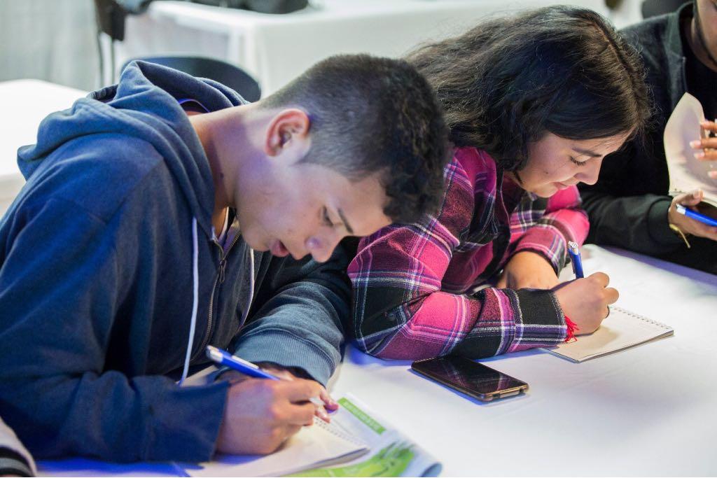 Allianz y Aldeas Infantiles capacitan a jóvenes colombianos