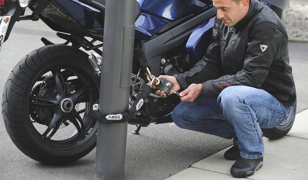 ¿Cómo evitar que le roben la moto?