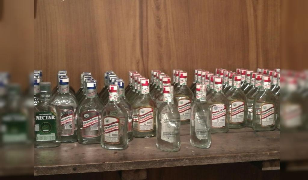En Bogotá incautaron 857 botellas de licor adulterado