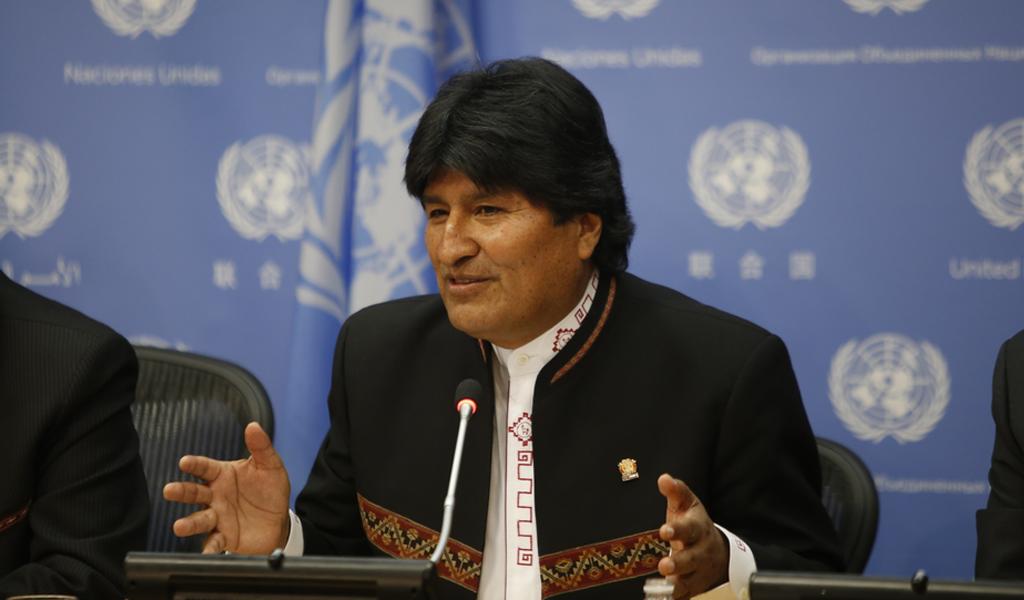 Morales ofrece SuperTanker para auxiliar incedios