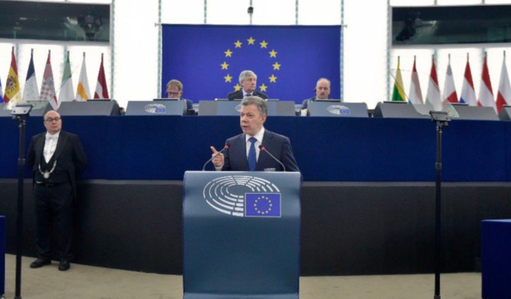 Paz y narcotráfico temas clave para Santos en Europa