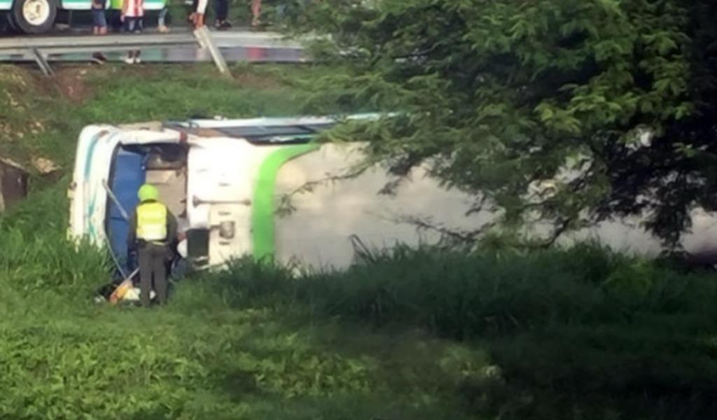 Accidente de bus con seguidores de Vargas Lleras deja heridos