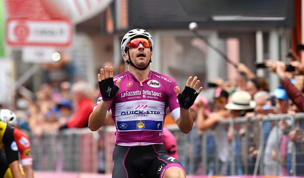 Yates suma otro día de líder en el Giro de Italia