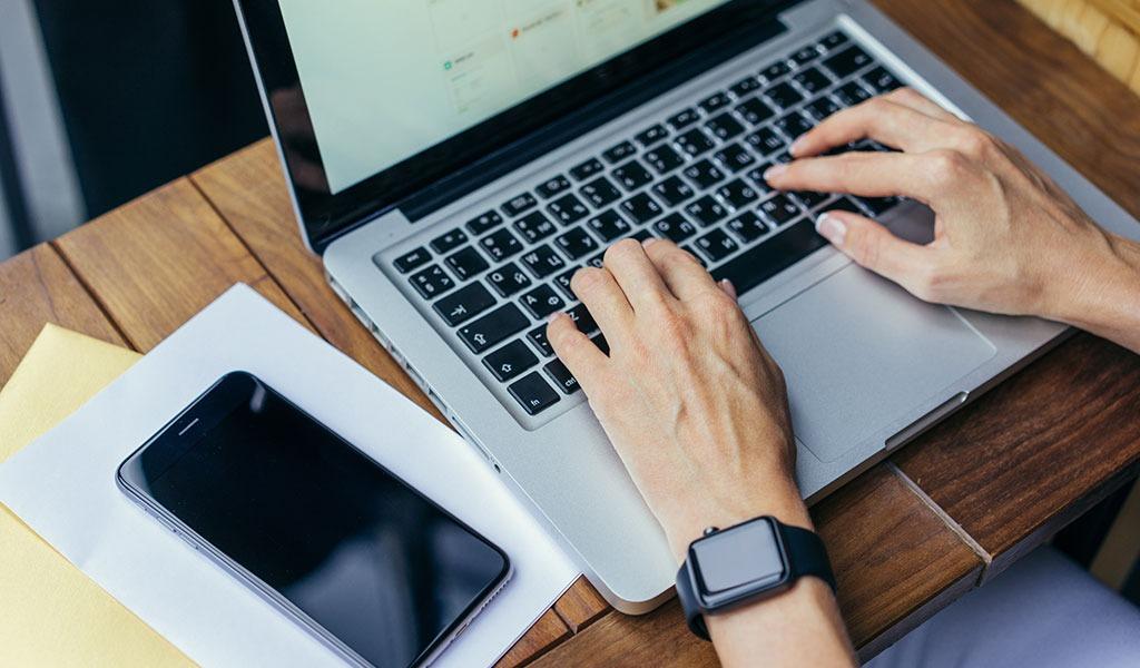¿Cuánto tiempo pasan las personas en Internet?