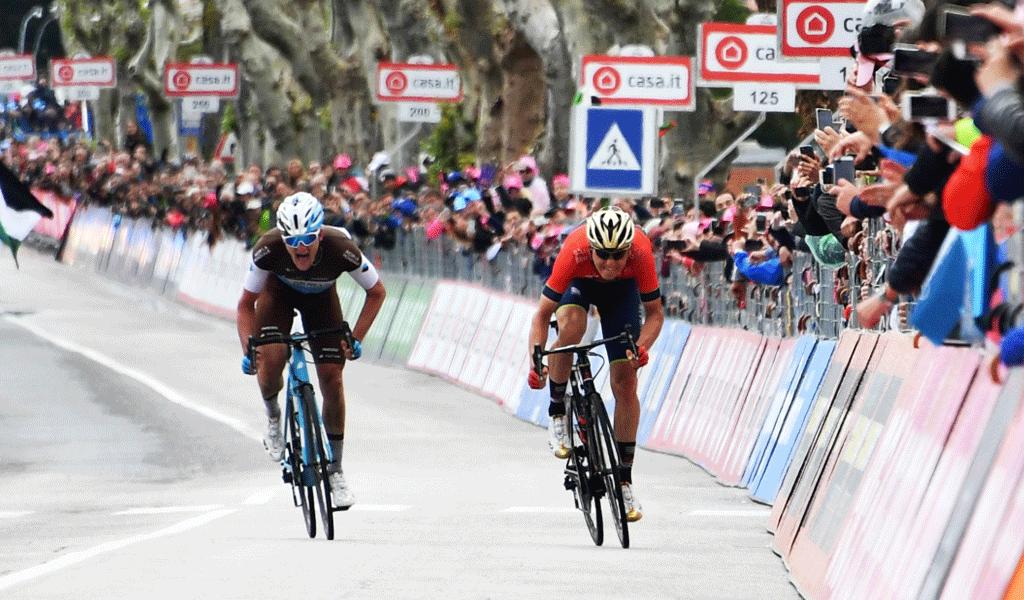 Simon Yates gana su tercera etapa en el Giro
