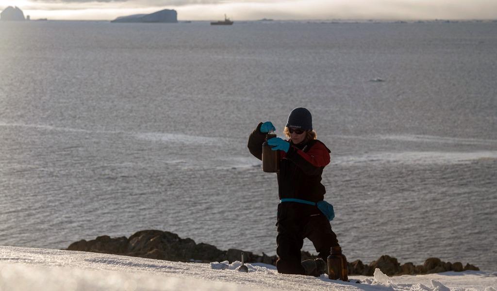 Contaminación amenaza al Océano Antártico
