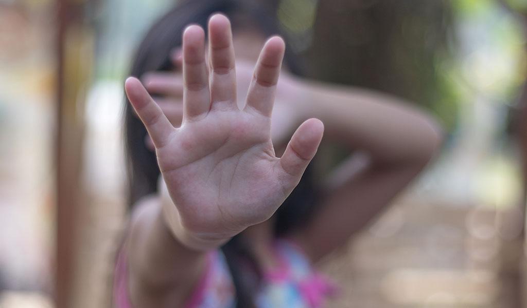 Capturan policía que abusaba sexualmente de su hija
