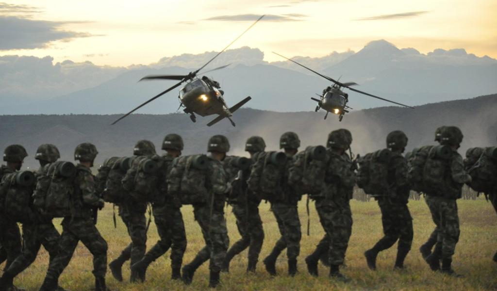Investigarán a militares colombianos por corrupción