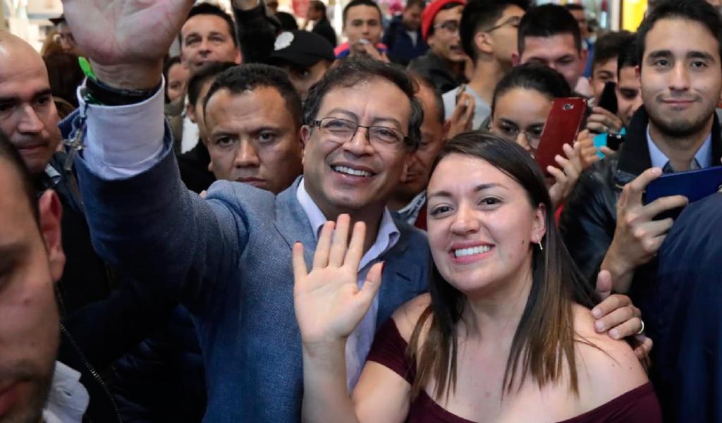 Gustavo Petro recibe apoyo de organizaciones de víctimas