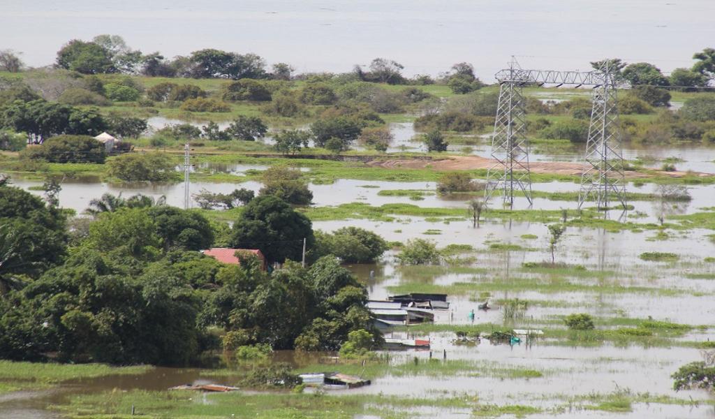 1347 familias damnificadas por desbordamiento de ríos