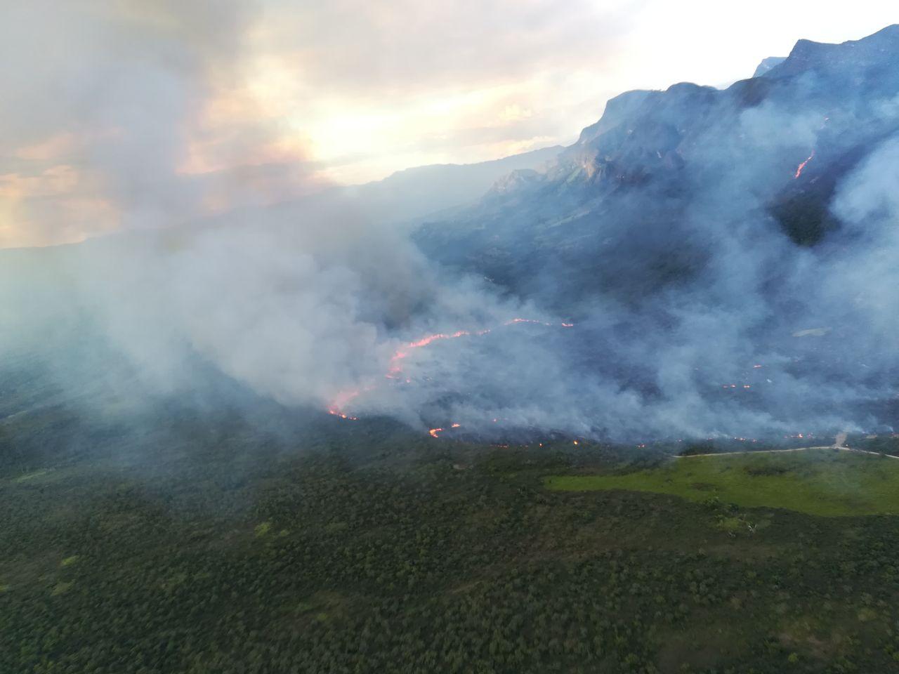 Se registran graves incendios en el país