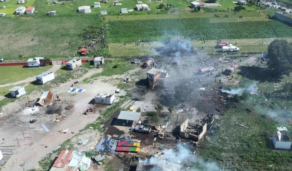Al menos 17 muertos por explosión en Tultepec, México