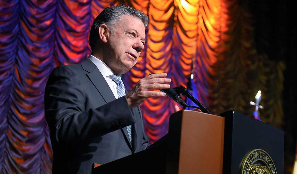 Santos invita a proteger a líderes sociales
