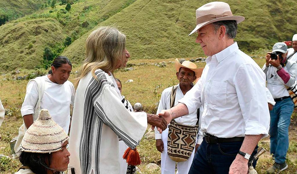 Santos y el regalo de los indígenas Mamos