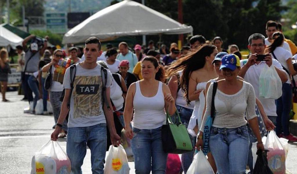 Diariamente 70 mil venezolanos entran y salen de Colombia