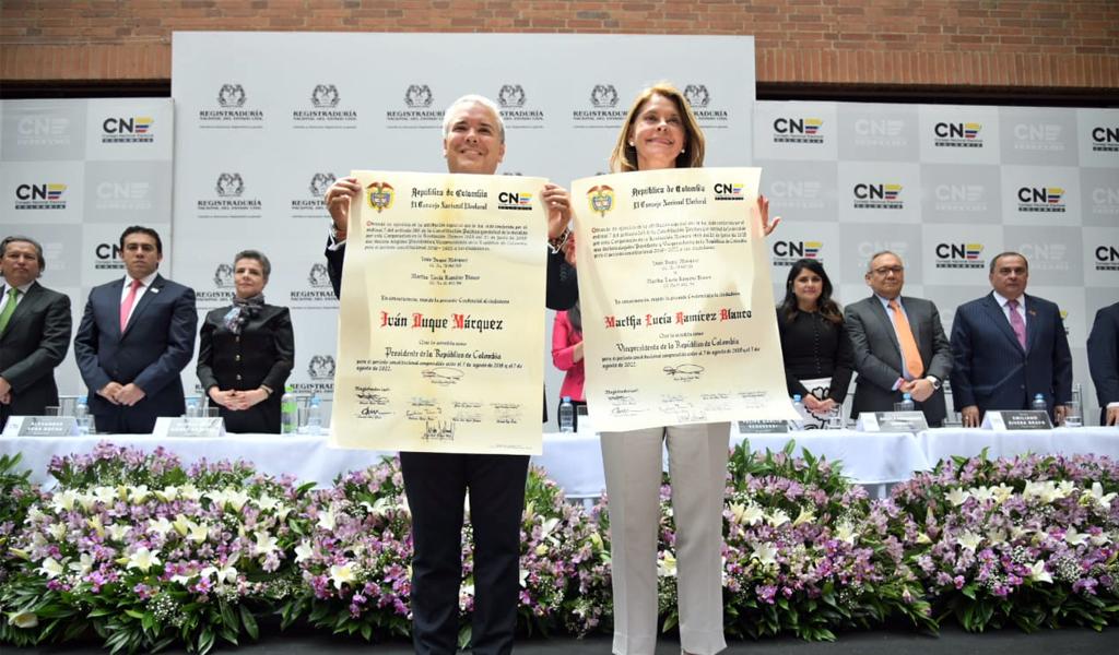 """""""En las manos de Colombia me entrego"""": Duque ante el CNE"""