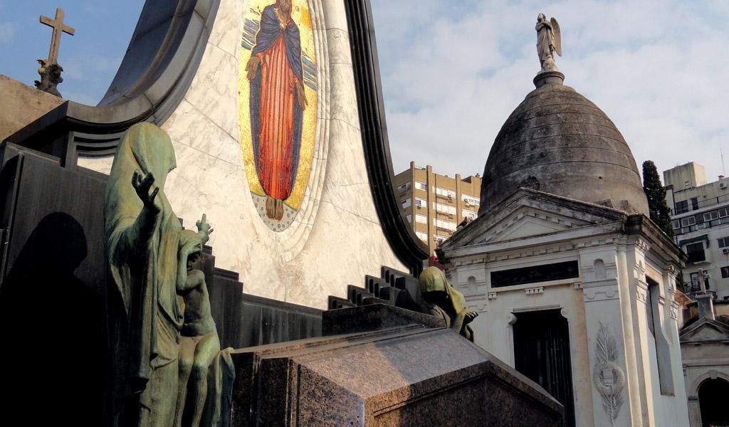 Los colores del cementerio de La Recoleta