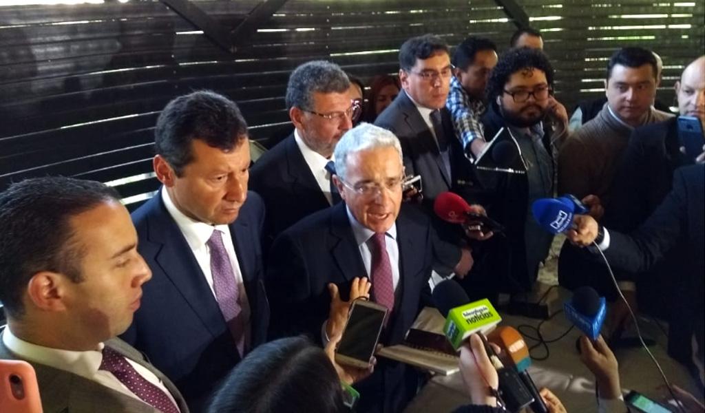 """""""Mi instrucción es que se diga toda la verdad"""": Álvaro Uribe"""