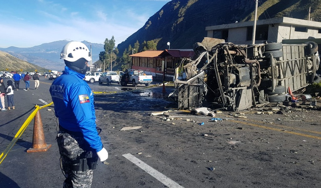 Accidente de bus en Ecuador deja 24 fallecidos