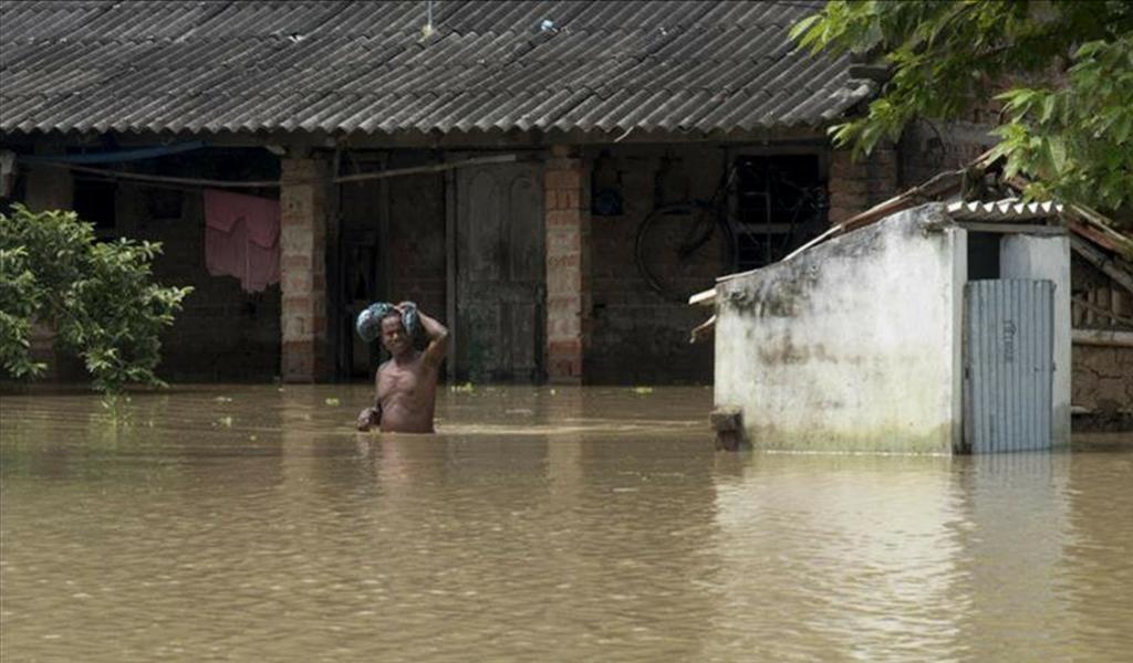 Se eleva a 67 cifra de muertos por inundaciones en India
