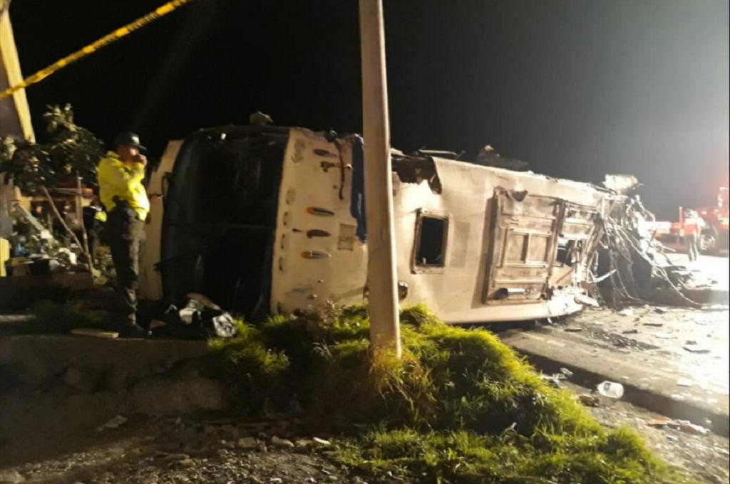 Llegan a Cali restos de 14 colombianos muertos en bus
