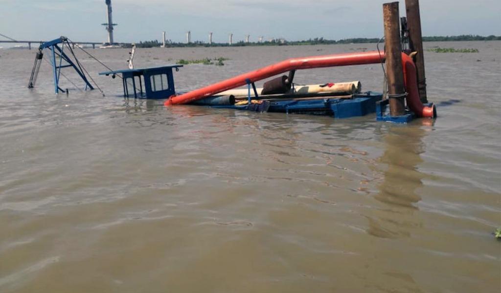 Emergencia ambiental en Barranquilla por hundimiento de draga