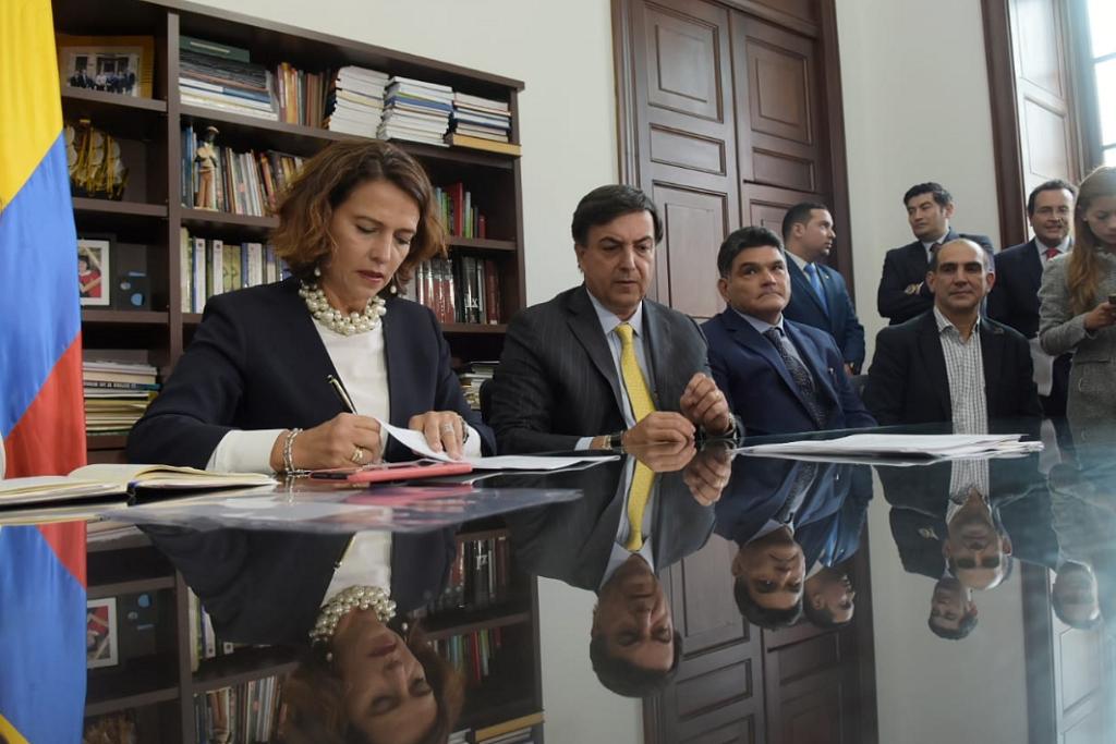 MinInterior retiró proyecto anticorrupción de Iván Duque