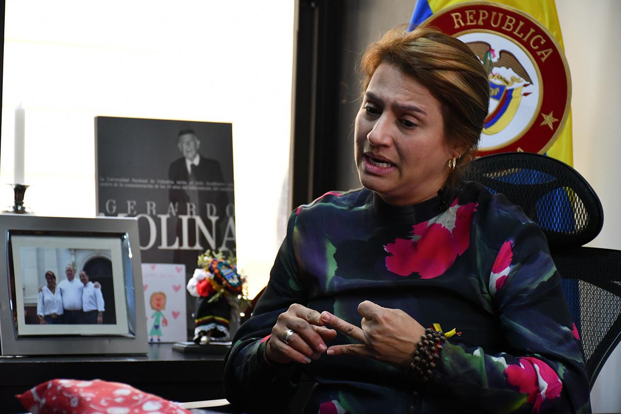 """Paola Holguín: """"Debemos cumplir nuestra palabra sobre impuestos"""""""