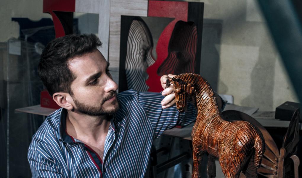 Joaquín Restrepo, el artista que rompe moldes