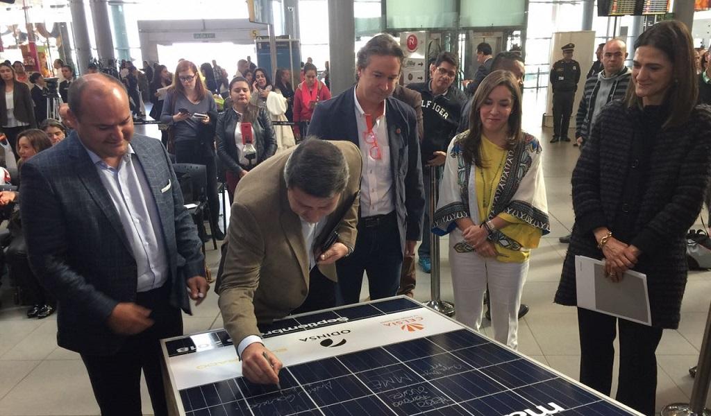 Paneles solares Aeropuerto El Dorado