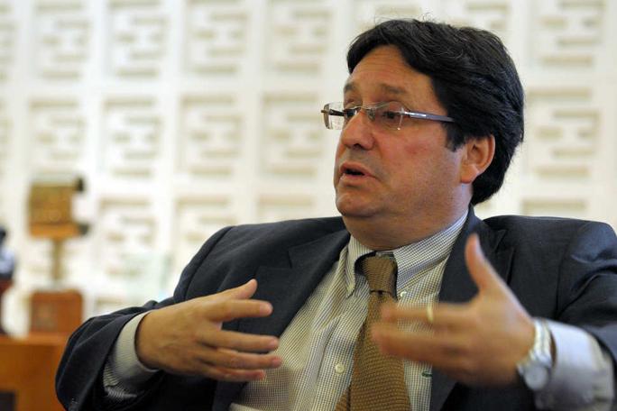 Francisco Santos propondrá el regreso del glifosato