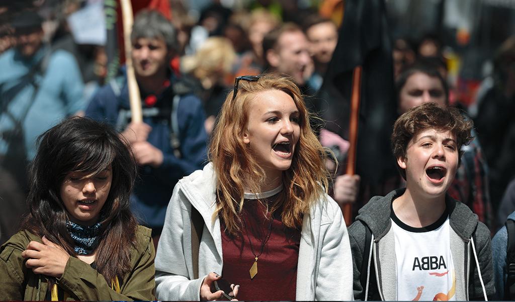 Niños alemanes protestan contra adicción al celular