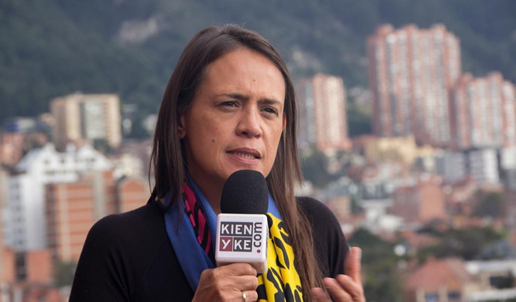 """""""La televisión está viva"""": Ángela Mora"""