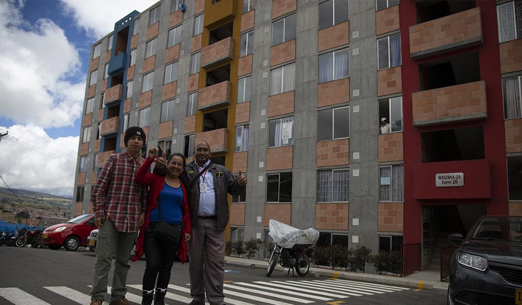 Más de 1.700 familias han sido reubicadas en Bogotá