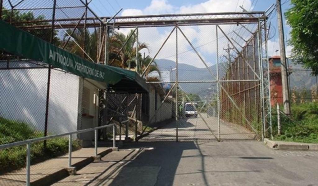 Internos de cárcel La Paz de Itagüí en huelga de hambre