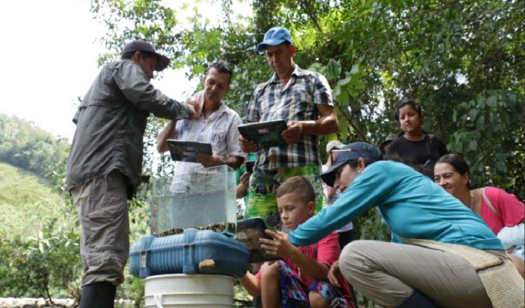 En Antioquia campesinos descubren la biodiversidad de su territorio