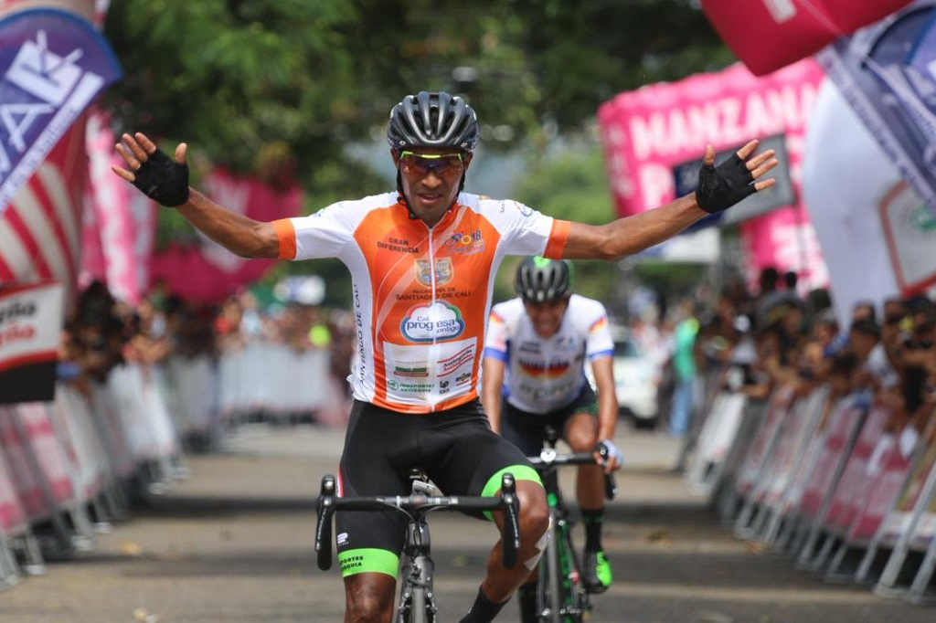 Rafael Montiel ganador de la sexta etapa del Clásico